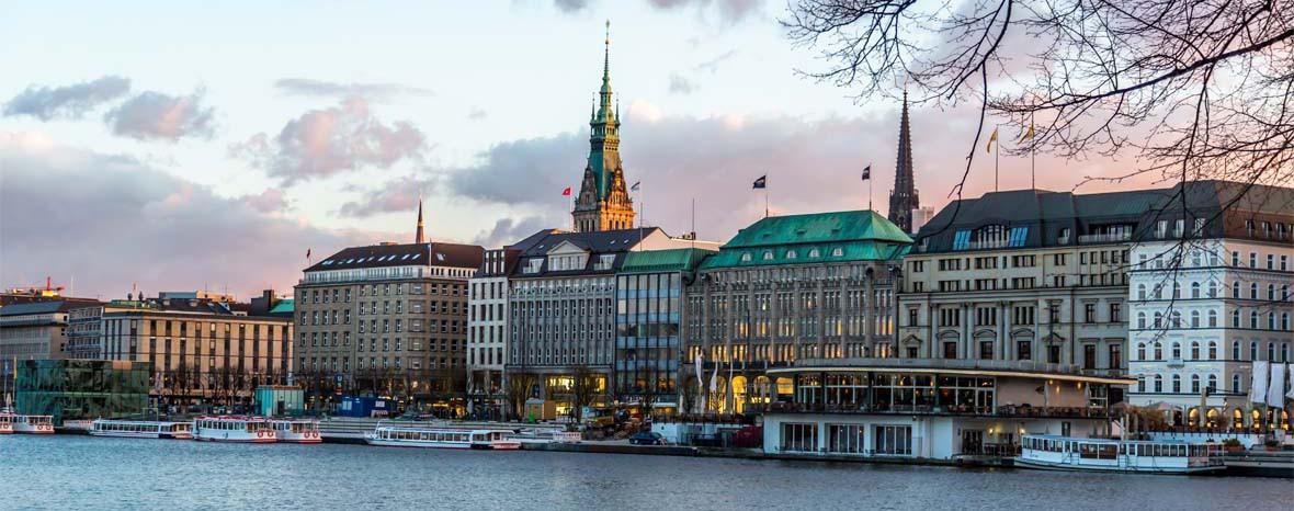 Schirm und Charme Stadtführungen in Hamburg mit Melanie Meyer